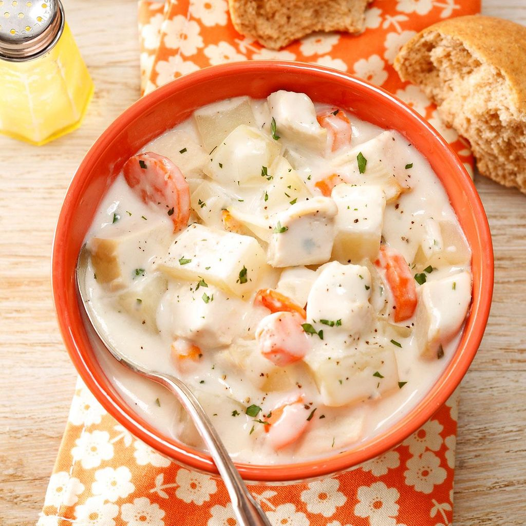 Cream-Cheese-Chicken-Soup_exps14118_CW143433C03_21_2b_RMS.jpg